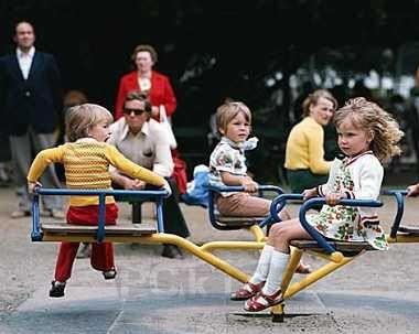 警惕几种容易引起孩子伤害的社区健身器